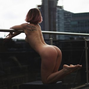Yness speed dating in Bostonia and incall escorts