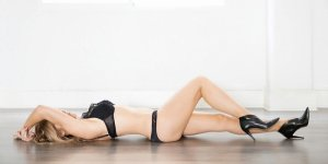 Laurencia escorts service in Renton