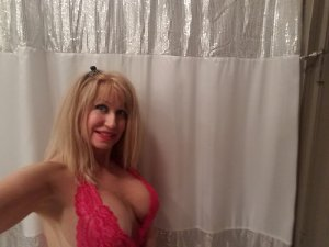 Trecy live escort