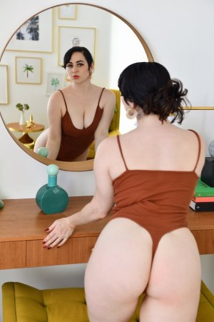 Christina-maria escort girls