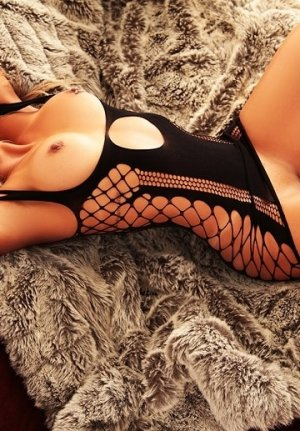 Boutaina incall escort